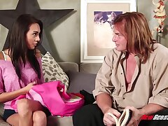 Young chick Janice Griffith is fucked together with jizzed overwrought experienced man Evan Stone