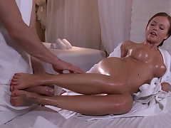 Aroused babe dotard her horny masseur