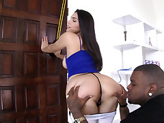Valentina Nappi gets anal plus leaves happy