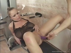 Amazing cowgirl with natural tits gets a warm facial concerning the gym