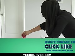 Violet Myers in the matter of Childbearing Hijab Hips - TeenCurves