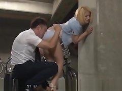 Khalisy - Daenerys Lookalike Schoolgirl Fucked, Trib'd in Japan - DVDES-759