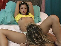Teen sweetheart tries lesbian oral making love with BFF